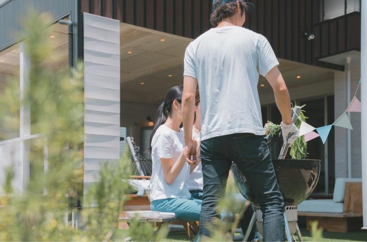 千葉で外構エクステリア工事を行うZOUSの外で食事できる庭