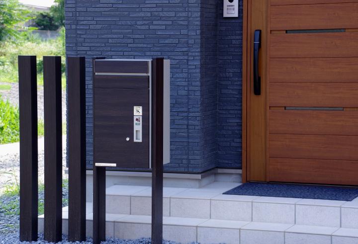 千葉で外構エクステリア工事を行うZOUSの宅配ボックス機能でさらに快適に